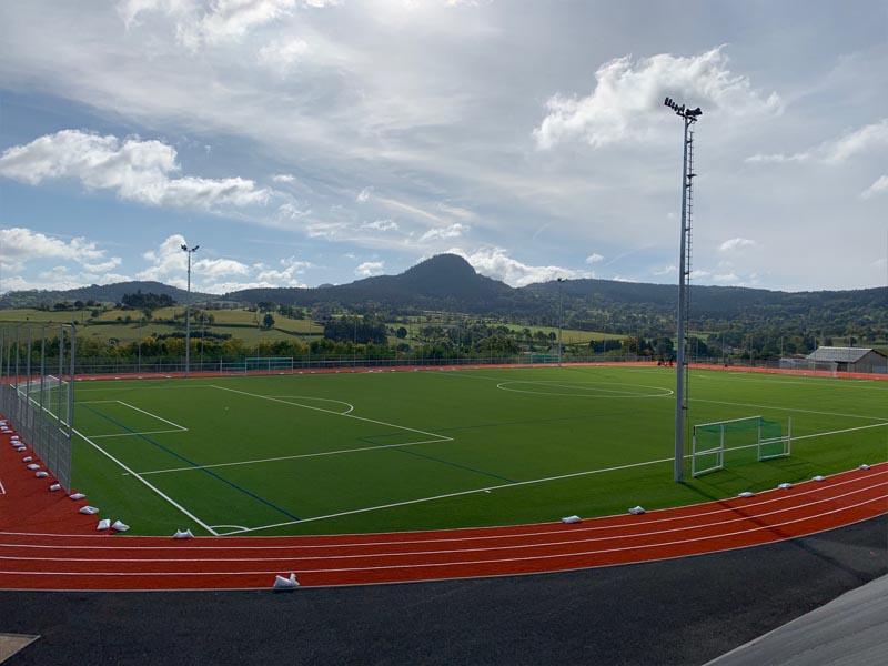 terrain de football à Yssingeaux