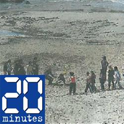 Enfants en colonie de vacances en bord de mer